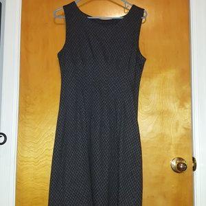 Sleeveless flannel diamond pattern dress size M